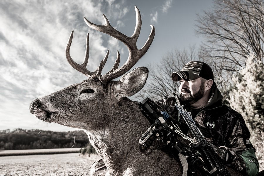 Wi Whitetail Trophy » Turtle Creek Outfitters-Whitetail Rut In Wisconsin