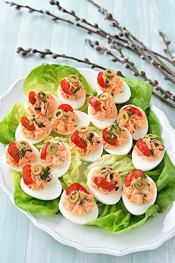 Jajka Faszerowane Wędzonym Łososiem - Przepis   Recipe In-Food Holidays 2021